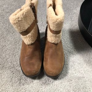 UGG waterproof shearling lined boots, size 10. NEW